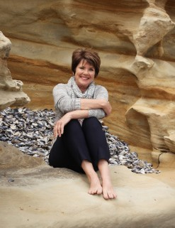 Robyn Mundy author pic_sandstone_Picador small