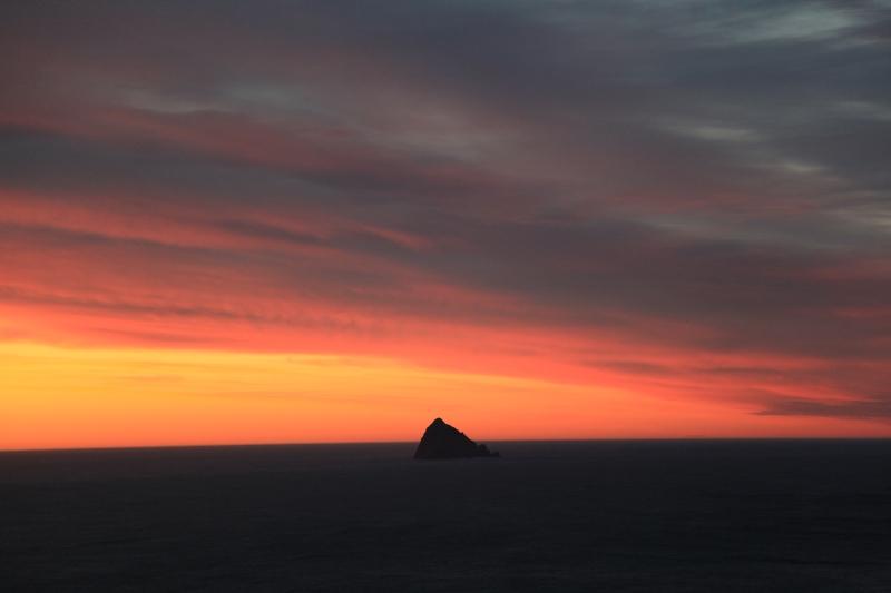 IMG_8391 red sunrise Mewstone