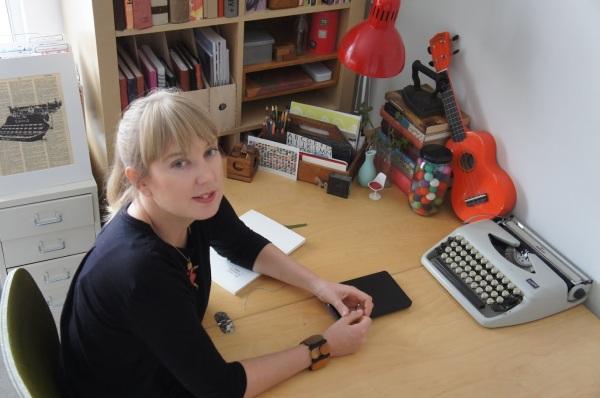 2016 Annabel Smith author photo