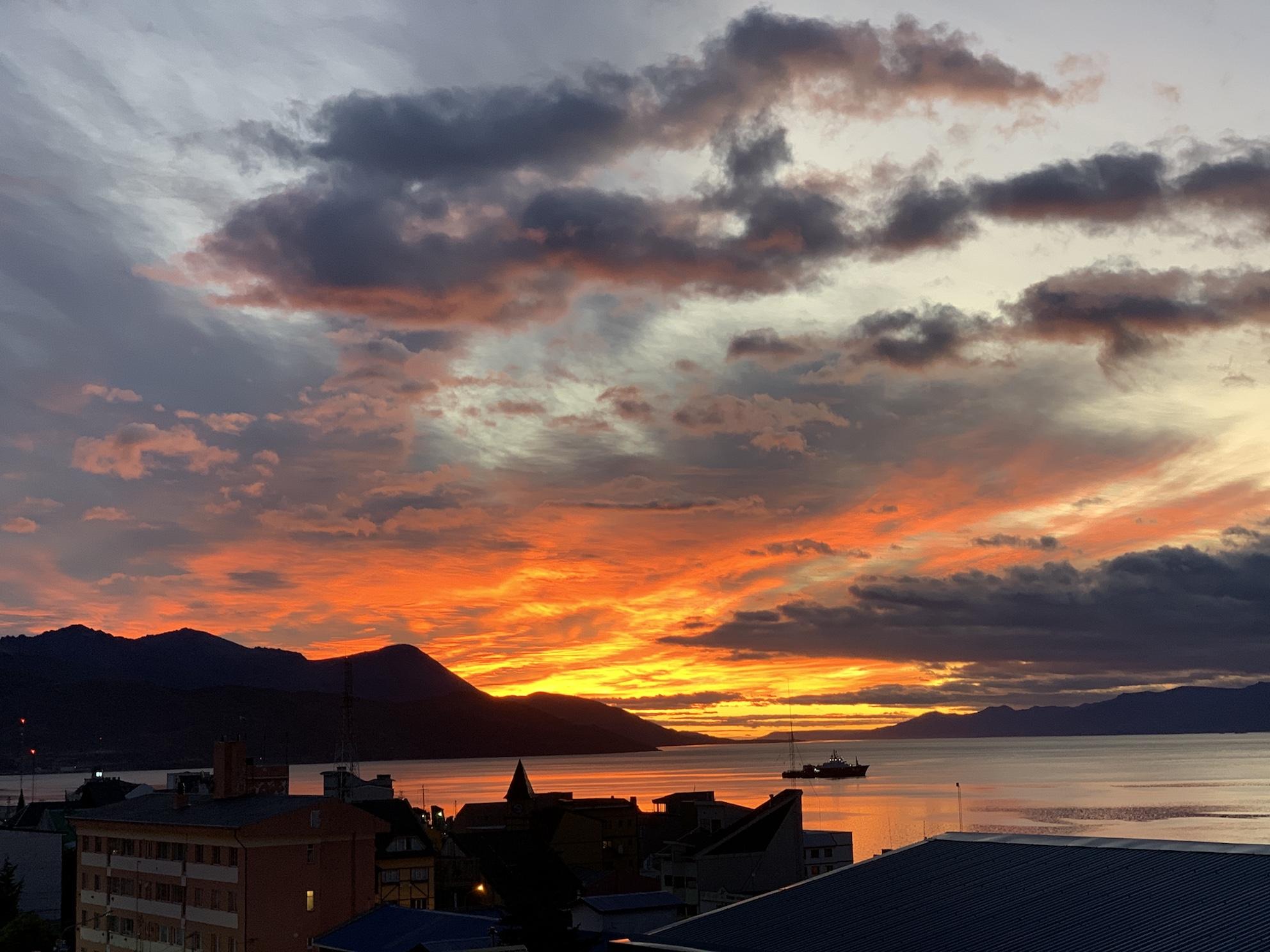 IMG_8918 Ushuaia sunrise 15 march small